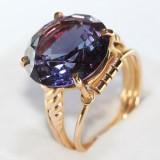 Dámský prsten s kamenem historický 18k