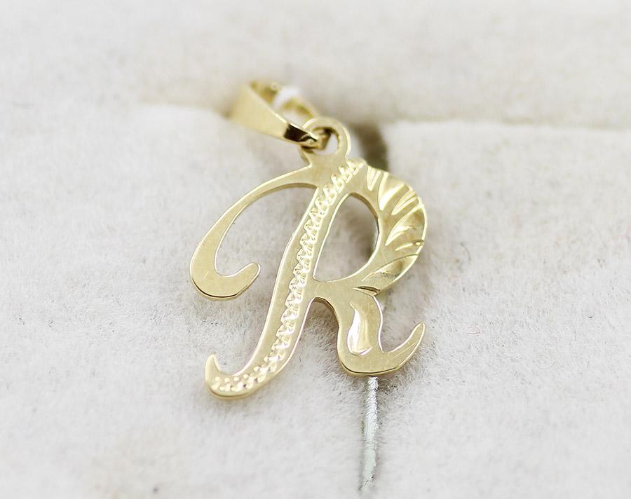 e9ef4efbc Zlatý přívěsek písmeno R vyřezávané - 200 šperků online