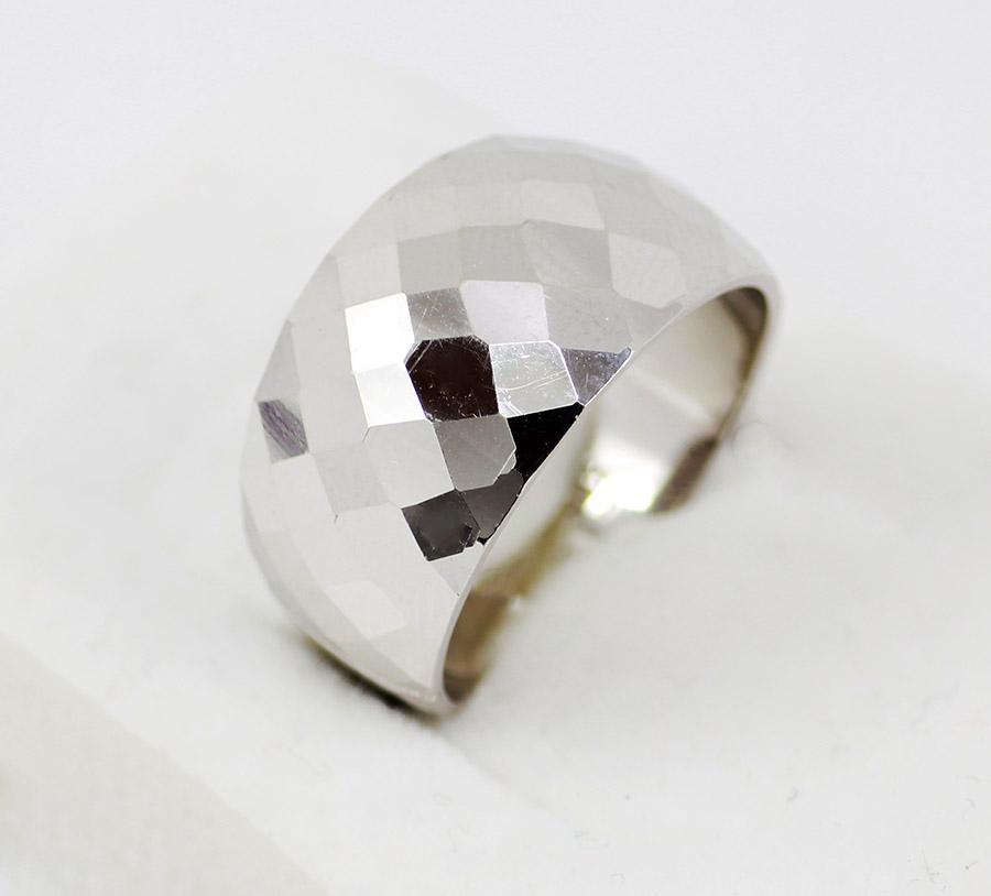 Bílé zlato jako alternativa pro šperky