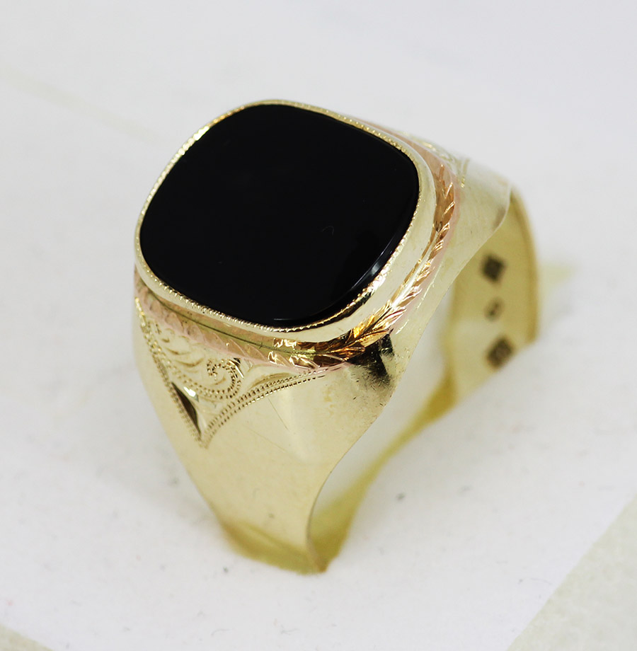 1e1c4cc67 Zlatý pánský prsten s kamenem - 200 šperků online