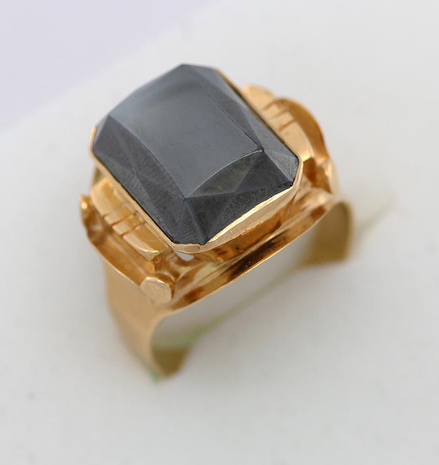 930f226de Zlatý pánský prsten masivní s kamenem - 200 šperků online