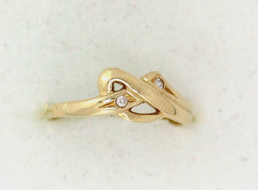 dbff69235 Zlatý prsten propletený s kameny - 200 šperků online