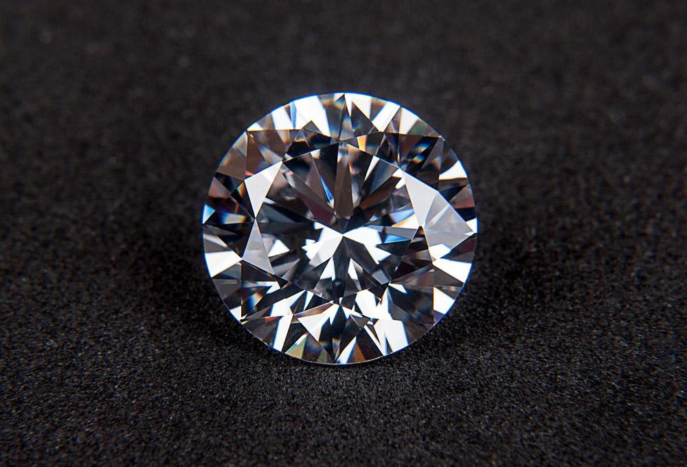 Zpracování drahých kamenů 15. 11. 2014 Drahé kameny mají samy o sobě  samozřejmě někdy až nedozírnou hodnotu 6484a70bb84