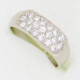 Prsten z bílého zlata s kameny