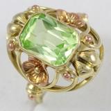 Barokní prsten se zeleným kamenem
