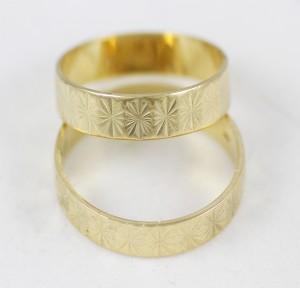 Snubni Prsteny S Kvetinovym Motivem Zastavarna A Bazar Zlin U
