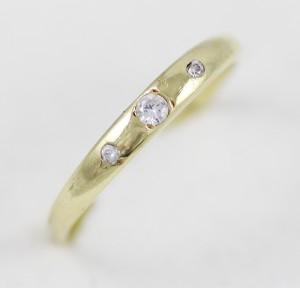 Prsten tři kamínky