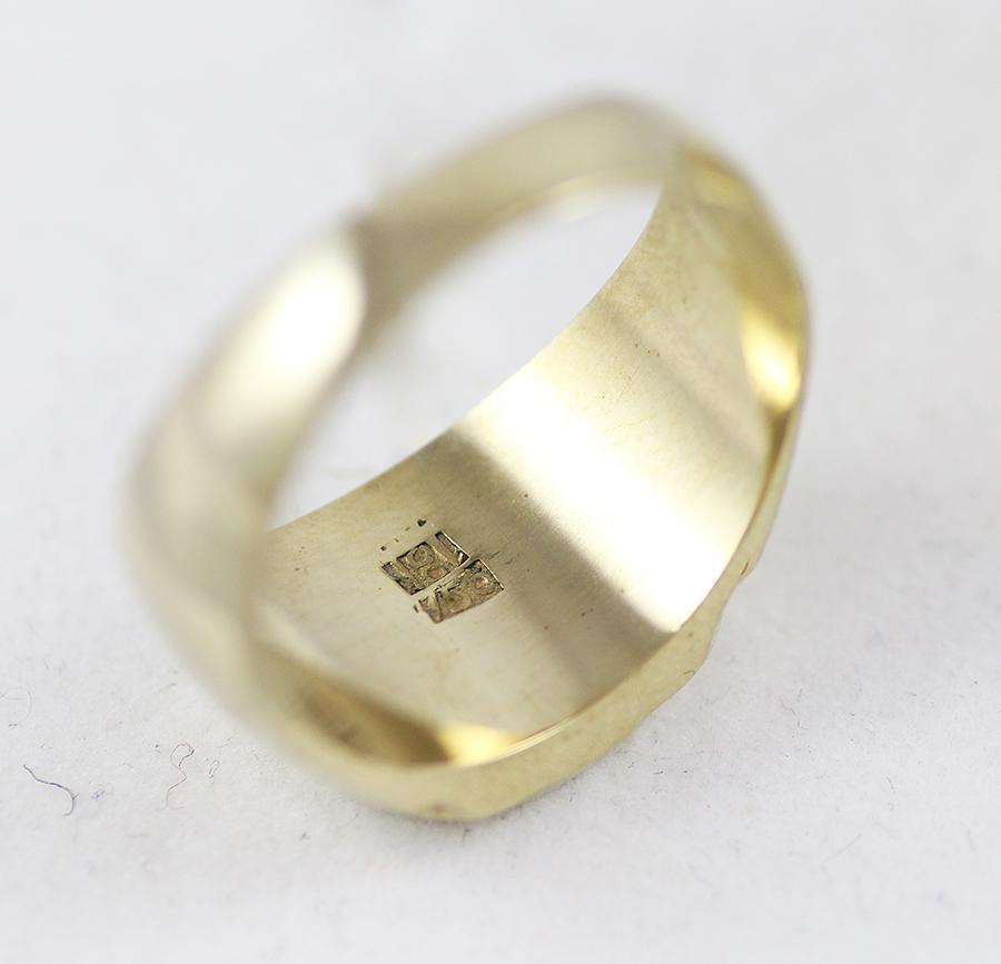 Padělek zlatého prstenu