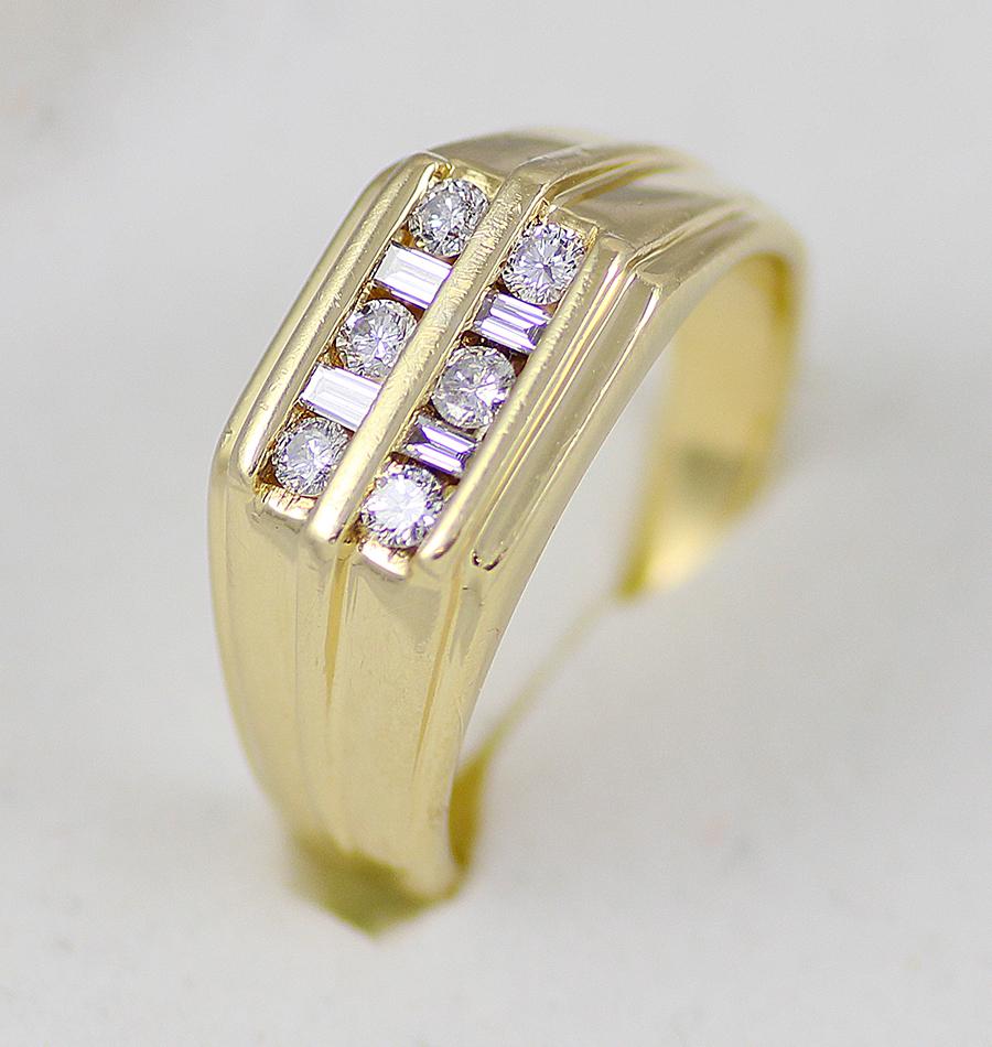 49064659847 Pánský zlatý prsten s diamanty - Zlaté šperky levně
