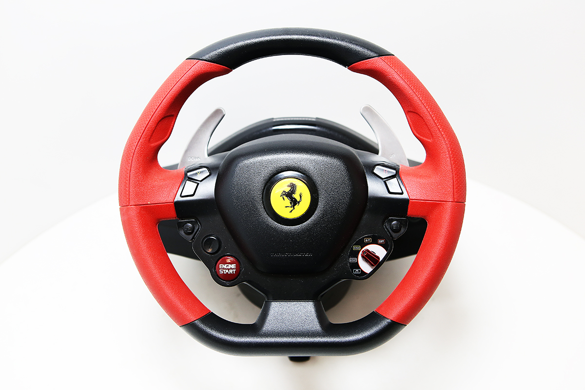 hern volant thrustmaster ferrari 458 spider racing wheel. Black Bedroom Furniture Sets. Home Design Ideas