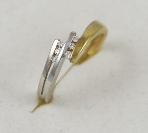 Prsten spirála s kamínky