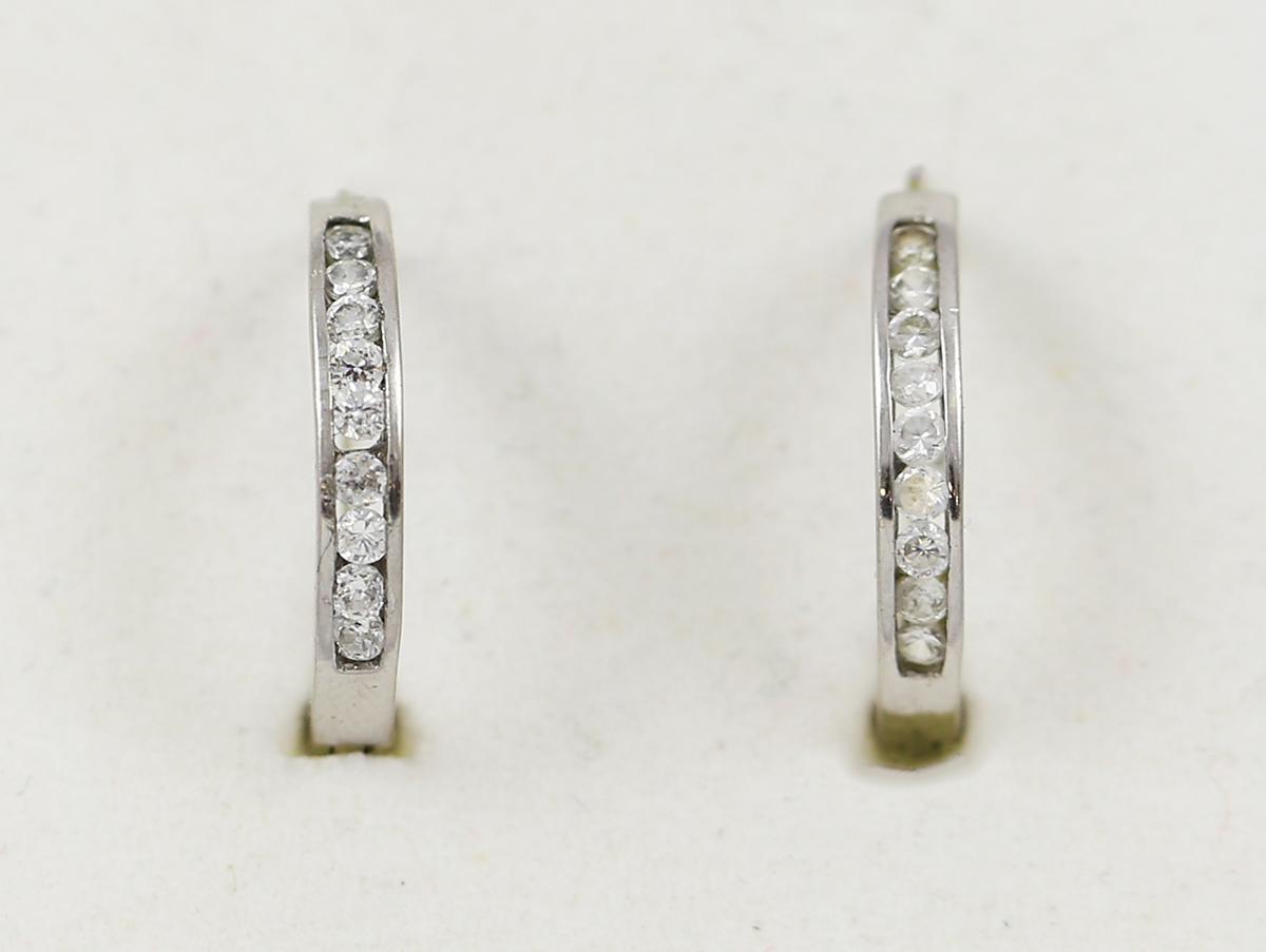 6be559c75 Náušnice kruhy z bílého zlata s čirými kameny - Zastavárna a Bazar ...
