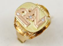 Pánský prsten s monogramem diamanty