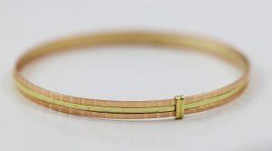 Trojitý zlatý náramek v kombinaci barev