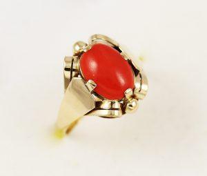 Prsten elegance s kamenem