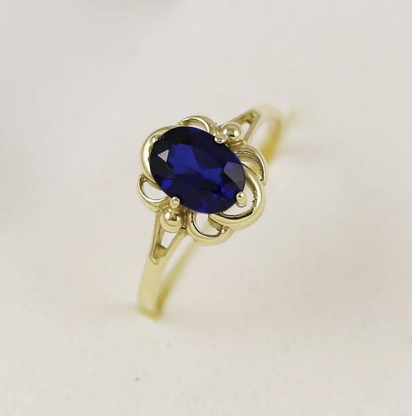 Retro prsten s modrým kamenem