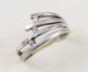 Prsten vějířek s kameny