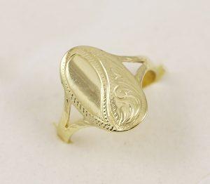 Zlatý prsten oválná ploška