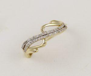 Zlatý prsten řada zirkonů
