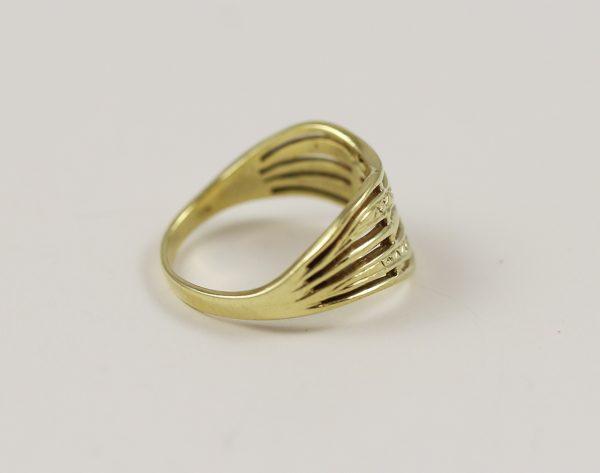 Prsten vlny se zirkony