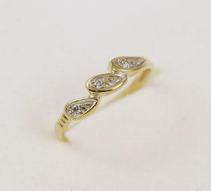 Prsten jemný se zirkony
