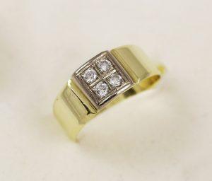 Prsten čtyři zirkony