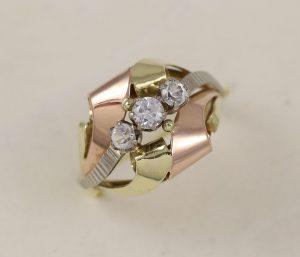 Prsten v kombinaci a zirkony