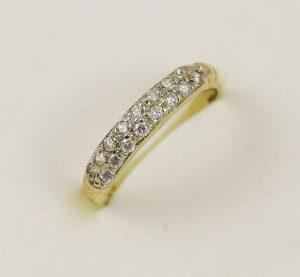 Prsten řady zirkonů