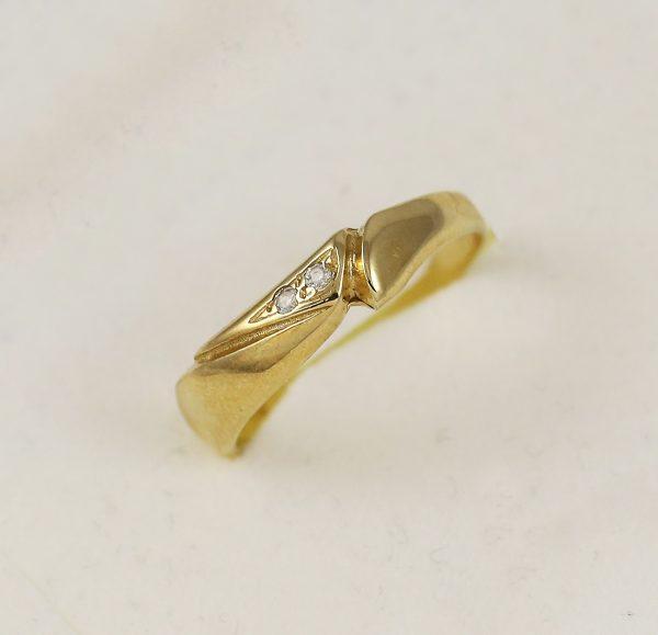 Prsten dva zirkony