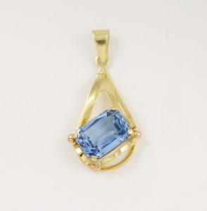 Přívěsek modrý kámen styl
