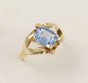 Prsten modrý kámen styl