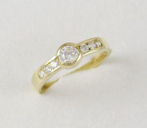 Prsten 7 zirkonů