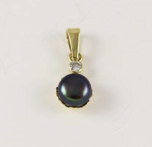 Přívěsek perla