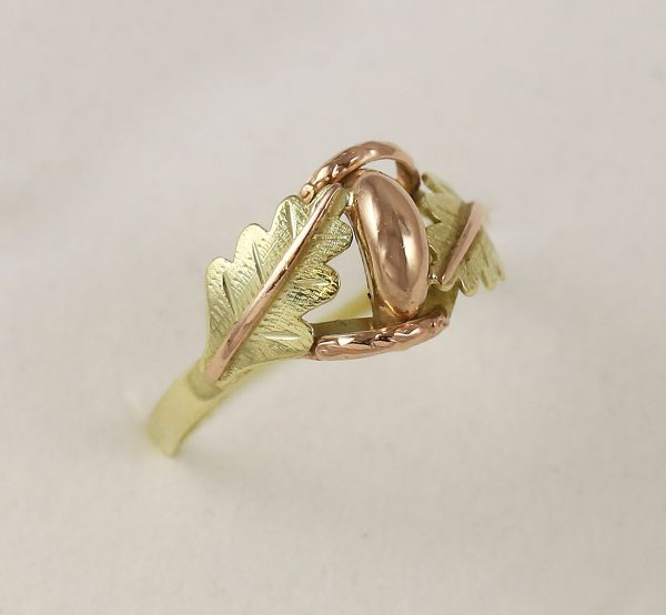 Prsten dubové listy