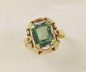 Prsten retro zelený kámen