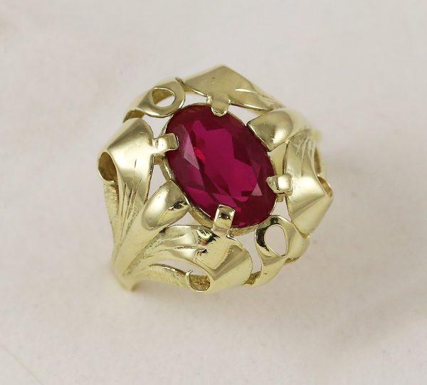 Prsten masiv červený kámen