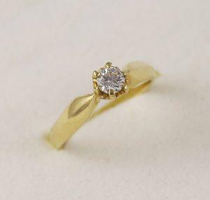 Prsten zásnubní