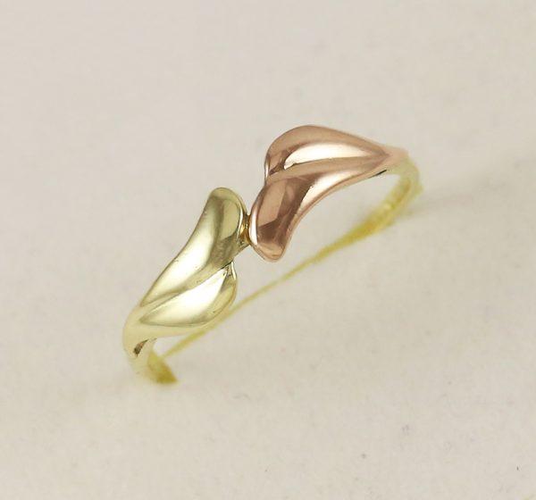 Prsten kombinace zlata