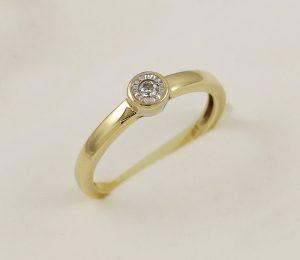 Prsten retro s diamantem