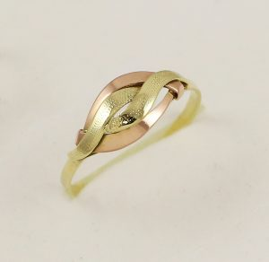 Prsten dvě barvy