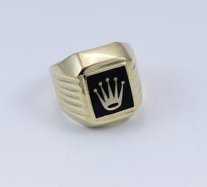 Prsten s korunou