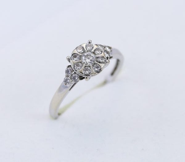 Prsten v bílém zlatě zirkony