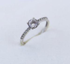 Prsten v bílém zlatě zirkon