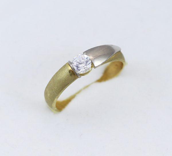 Zlatý prsten v kombinaci