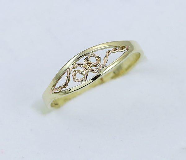 Zlatý prsten provázek