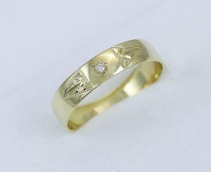 Zlatý prsten sluníčko s kamínkem