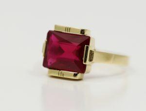 Prsten retro červený kámen