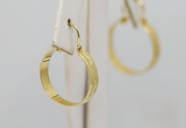 Ryté zlaté kruhové náušnice