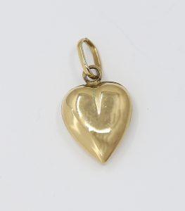 Zlatý přívěšek srdce