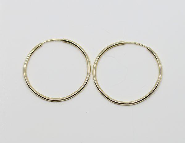 Zlaté kruhové náušnice
